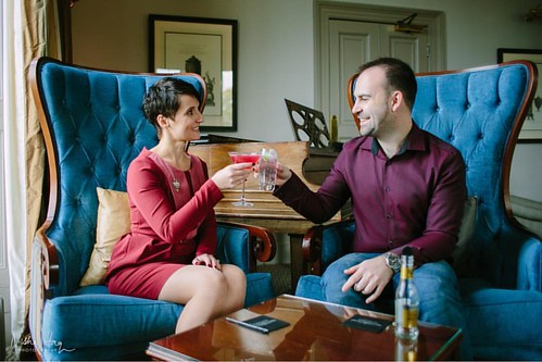 #FeatureFriday *New Blog Post* Loved shooting this #engagementsession last month at #mountsomersethotel. I think Aniko & John have the right idea! It's #Friday and so it's time for a #cocktail! #fridayfeeling  . #feelgoodfriday #engagement #taunton #somer
