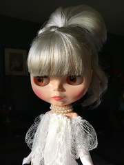 """A Ray of SUNSHINE!!  The """"Dark Rabbit Hole"""" wants to show you she's not a real vampire..like her Lucy Halloween get-up and she loves sunshine!!  (Painters Life) Tags: platinum sunshine whitedress blythe takara darkrabbithole"""