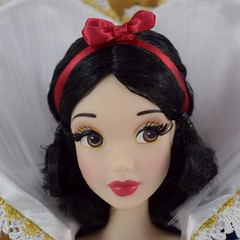 Shanghai Disney LE Snow White Doll - eBay Purchase - Deboxing - Inner Box With Front Cover Removed - Closeup Front View (drj1828) Tags: shanghaidisneyresort disneyparks le1200 limitededition snowwhite snowwhiteandthesevendwarfs 17inch doll posable collectible grandopening ebay purchase deboxing