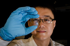NTU Asst Prof Wang Qijie looking through the mono-layered nanostructured graphene 1 (Lancefury) Tags: camera sensor graphene wangqijie