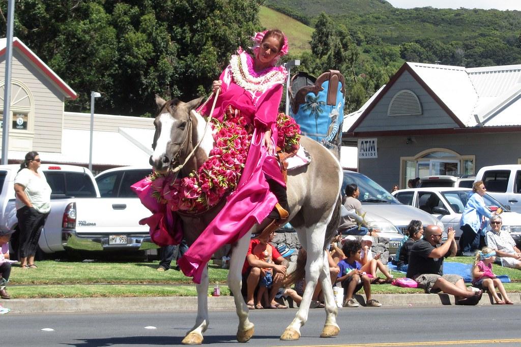 30951d22 Pink Princess (BarryFackler) Tags: horse island hawaii polynesia parade lei  waimea bigisland tradition