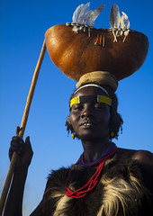 Dassanech Tribe Woman With A Calabash On Her Head, Omorate, Omo Valley, Ethiopia (Eric Lafforgue) Tags: africa blue portrait sky people woman vertical creativity outdoors necklace women day exterior adult african object craft jewelry tribal used container blackpeople bead dried ethiopia tribe anthropology oneperson jewel developingcountry lookingaway ethnicity headdress headwear hornofafrica ethiopian calabash nomadic omo tribalart onepersononly traditionalclothing artandcraft blackskin beadednecklace onewomanonly lookingatcamera colorpicture omorate africanethnicity 1people indigenousculture geleb africanculture ethnicgroup onlywomen dassanech bodyadornment merille colourpicture dassanetch omotic daasanach dasaanech daasanech oneadultonly dassanach blackethnicity ethiopianomovalley ethio1401378