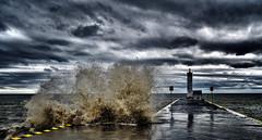 DNZ_4924_00007 (Alberto Donzelli) Tags: lake wave splash weather storm marina