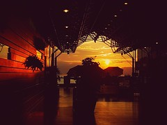 Sunset Cafe (The Feeling@Ar Shing Photography~阿成@感覺) Tags: sunset harbour hongkong victoriaharbor yellow samsung s7 f17