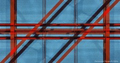 lineas (ojoadicto) Tags: lineas estructura structure rojo azul red blue reja metal abstract abstracto