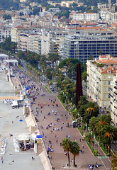 The Promenade des Anglais from Colline de Chateau (Castle Hill), Nice. (Roly-sisaphus) Tags: nice southoffrance cotedazure frenchriviera mediterranean nikond802016dsc1058