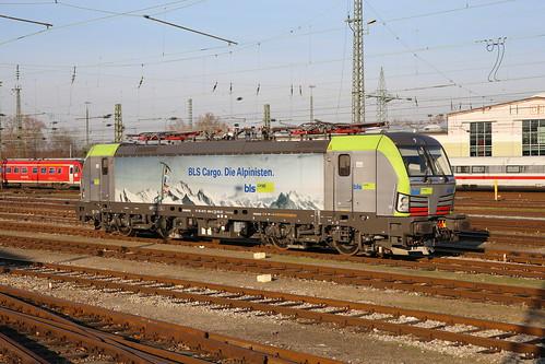BLS Cargo Re 475 404-0 abgebügelt, Basel Bad Bhf