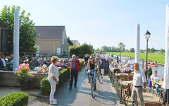 (Lin ChRis) Tags: giethoorn travel trip 旅 荷蘭 羊角村 holland netherlands people tourist sunny villiage