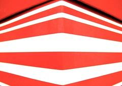 box (muffett68 ☺☺) Tags: ansh scavenger16 redandwhitestriped cmwdred box