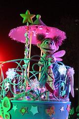 Sesame Place: Neighborhood Street Party Christmas Parade - Abby Cadabby (wallyg) Tags: abbycadabby amusementpark buckscounty langhorne neighborhoodstreetpartychristmasparade neighborhoodstreetpartyparade parade pennsylvania sesameplace themepark sesamestreet