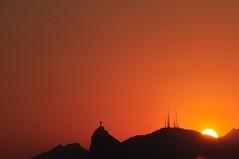 just think about... (Ruby Ferreira ) Tags: sunset silhouette brasil prdosol parquedacidade silhueta notreatment niterirj monumentocristoredentor christtheredeemermonument