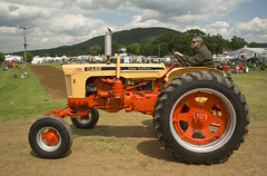 Case 730 Diesel wide front (Thumpr455) Tags: tractor nikon diesel pennsylvania farm case restored d800 730 dualrange pennscavepa widefront nittanyantiquemachineryassociation