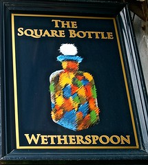 The Square Bottle - Chester (garstonian) Tags: cheshire chester pubs realale wetherspoons