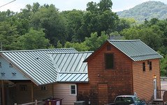 Charlies Inn_Hwy 14-61_Standing Seam Metal roof