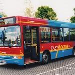 Go Wear Buses 8220 (V820ERG) - 29-05-00