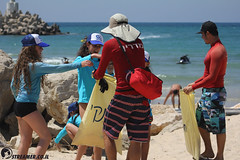 IMG_8791 (Streamer -  ) Tags: ocean sea people green beach nature students ecology up israel movement garbage sunday north group young cleanup clean teen shore bags  nonprofit streamer  initiative enviornment    ashkelon          ashqelon   volonteers      hofit
