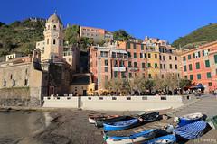 Vernazza, Cinque Terre (tomosang R32m) Tags: cinqueterre  liguria   laspezia 5terre vernazza  italia italy  beach coast village travel trekking