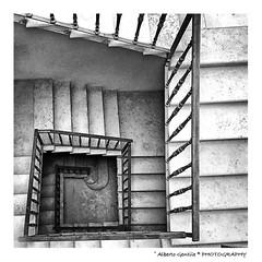Le Scale e la Geometria (albygent Alberto Gentile) Tags: scale geometria blackwhite biancoenero puglia