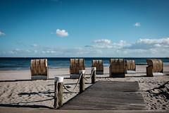Kellenhusen_2 (ichbinsEvi) Tags: rot kellenhusen schleswigholstein germany ostsee balticsea strand beach himmel sky natur landscape fujifilm