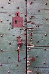 (Zeldenrust) Tags: hendrikvanzeldenrust vanzeldenrust zeldenrust lock doorlock schlos verriegelung türschlos deurslot serrure serruredeporte cerraja cierrepuerta garagepoort garagedeur garagentür puertadelacalle garagedoor portedegarage portóndelgaraje keyway keyhole sleutelgat schlüsselloch troudeserrure ojodelacerradura