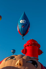 Balloon Fiesta 2016 | Gas Drop | Morning Ascension, 06:47AM (Facundity) Tags: aibf albuquerqueinternationalballoonfiesta balloonfiestapark balloonfiesta2016 albuquerque newmexico hotairballoons morningascension whimsy colorful specialshapesrodeo specialshapes outdoorphotography outdoors canoneos70d