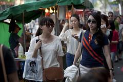 Korean girls in Insadong (CyprienR) Tags: korea seoul insadong 2012 coreenne