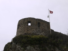 St Catherine's Castle (Worthing Wanderer) Tags: grey coast spring cornwall cloudy harbour path windy estuary april fowey dull southwestcoastpath