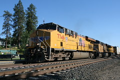 Union Pacific #7746 (GE ES44AC) in Colfax, CA (CaliforniaRailfan101 Photography) Tags: up amtrak unionpacific priority ge freight bnsf reefer manifest emd californiazephyr burlingtonnorthernsantafe dash9 dpu es44dc gevo sd70m amtk c449w stacktrain sd70ace es44ac colfaxca c45accte p42dc trackagerights es44c4 tietrain sd59mx unitreefer zdlsk