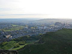 Edinburgh (Timbo_a_go_go) Tags: sunset green castle grass skyline scotland edinburgh cityscape seat hill arthurs