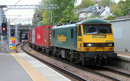 Freightliner Class 90 90046, Highbury & Islington, 22nd. May 2013.