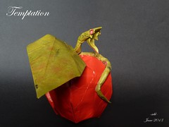 temptation (-sebl-) Tags: apple square origami snake temptation kraft lokta sebl