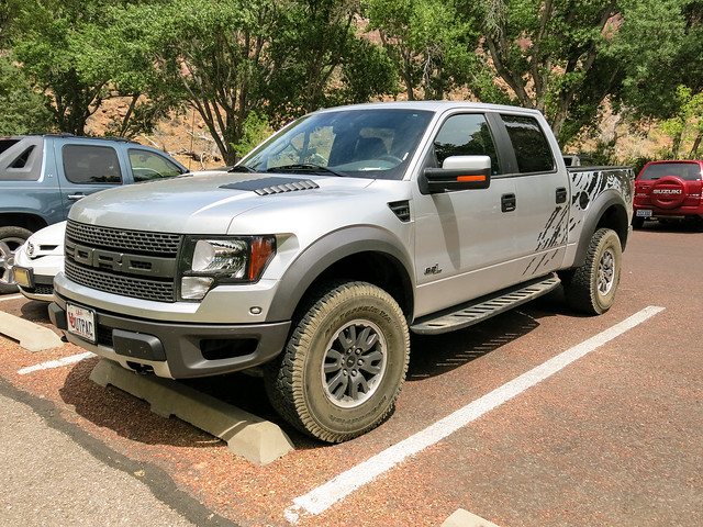 ford truck silver pickup f150 raptor svt supercrew 62l