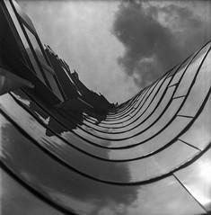 Frank Gehry building, Dsseldorf (Pixelbulimie) Tags: bw white black mediumformat harbour automatic sw dsseldorf schwarz medienhafen weis mittelformat rollop filmanalog
