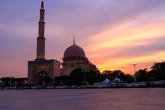 DPP_6315 (whchoy) Tags: nightphotography mosque nightscene putrajaya klcc twintower putrajayamosque