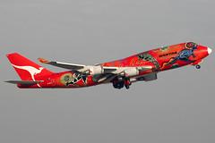 Qantas | Boeing 747-400ER | VH-OEJ | Wunala Dreaming | Hong Kong International (Dennis HKG) Tags: plane canon airplane hongkong airport aircraft 1d boeing qantas boeing747 hkg 747 747400 qf planespotting oneworld boeing747400 cheklapkok 100400 vhoej wunaladreaming b744 vhhh qfa wunala 07r