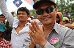 Men at the protest (albers19) Tags: portrait cambodge cambodia khmer monk buddhism phnompenh manifestacion protests mekong indochine monje indochina freedompark budismo manifestations camboya kampuchea protestas 16september september16th samrainsy jemer cnrp khmerkrohm