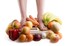 Diet (Entgiftung Darmreinigung) Tags: stilllife food orange woman apple scale nature girl fruit female tomato bathroom foot living healthy energy toe skin object bare leg group vegetable fresh health carrot garlic balance produce onion organic choice concept diet root kiwi fitness measure weigh item calorie weight compare count determination nutrition nourishment