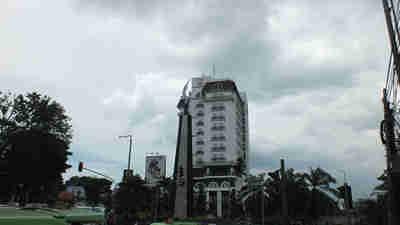 Hotels near Bogor Botanical Gardens