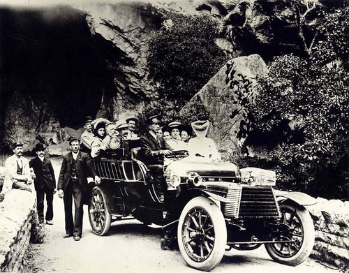 22 H.P. Daimler Wagonette, at Jenolan Caves