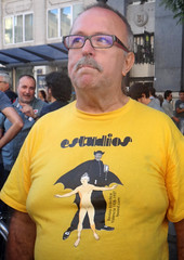 4 aniv 15M - cultura (Fotos de Camisetas de SANTI OCHOA) Tags: republica amigos publicacion