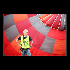 Launch Master (KoenK68) Tags: launchmaster ballooning hot air balloon fiesta functionary task control red people man male canon koenk68
