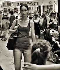 Streetportrait (heiko.moser (+ 10.600.000 views )) Tags: people personen publicity person portrait leute menschen monochrom mono women woman frau noiretblanc nb nero bw blackwihte blancoynegro discover entdecken einfarbig eyecatch young youngwoman teen teens girl sw schwarzweiss street strasse streetart schwarzweis streetfotografie streetportrait streetfoto canon candid city heikomoser