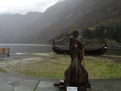 Gudvangen Statue (worm600) Tags: norway flm flam aurlandsfjorden naeroyfjord nryfjord aurlandsfjord fjord gudvangen