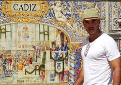 andalucia: el hombre de cadiz (gregjack!) Tags: spain andalucia seville cadiz plazadeespana man hat light shadow tiles colour street streetphotography sony sonyrx10m3