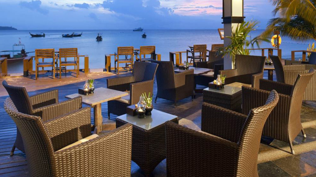 Holiday inn resort phi phi island for Arredamento thailandese