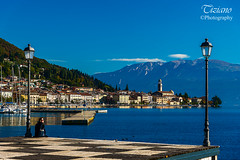 framing Salo (Tiziano Photography) Tags: salò gardalake postcard lake city sky bleu nikond750 d750 nikon landscape lagodigarda panorama cartolina cielo lago lungolago