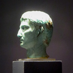 IMG_6122 (jaglazier) Tags: 1stcentury 1stcenturyad 2016 27bc14ad 5 5ad 63bc14ad adults augustus cologne copyright2016jamesaglazier crafts emperors gaiusjuliuscaesaroctavianusaugustus germany glass heads imperial julioclaudian kings koln köln men museums octavian portraits primaporta roman romangermanicmuseum römischgermanischesmuseum september turquoise archaeology art figurines royal sculpture