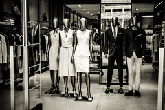 Gae Aulenti 58 - Showroom dummies (-dow-) Tags: dummies manichini mannequins milano piazzagaeaulenti showroom showroomdummies vetrina shopwindow fuji xe1 xf3514