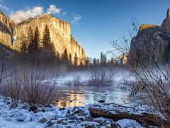 Yosemite National Park (Eric Zumstein) Tags: yosemite elcapitan snow fog mist nature canon 6d