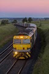 2016-11-26 SRS GL111-GL102 Athol 1891 sunset (deanoj305) Tags: blayney newsouthwales australia au sydney rail services 1891 additional fletchers train gl111 gl102 cfcla main west line nsw